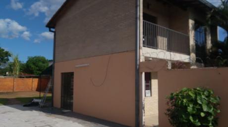 Alquilo Casa De 2 Dormitorios En Lambare Zona Hipermercado El Pueblo