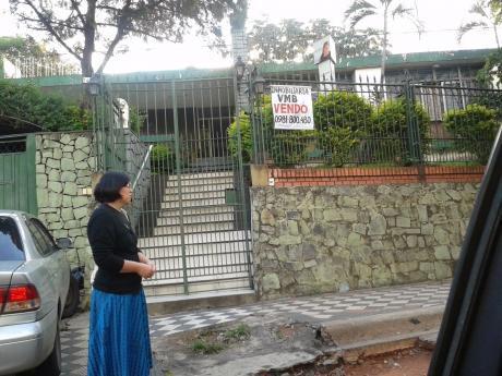 Vendo Hermosa Casa Sobre Avd. Felix Bogado (frente A La  Parada Central De Apt)