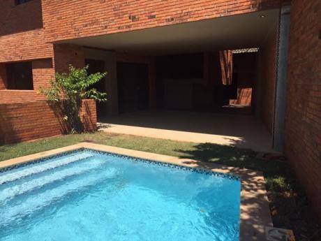 Alquilo Casa Bo Mburucuya