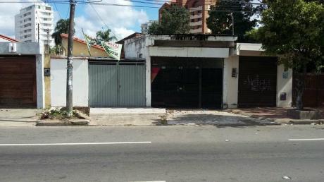 Casa En Alquiler Sobre Avenida