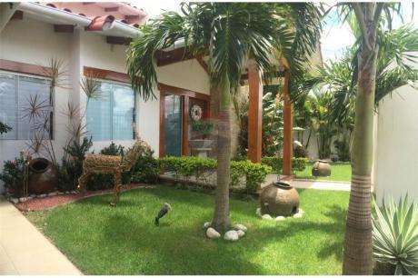 Casa De 2 Plantas En Urubo Con Precio De Oferta!!!