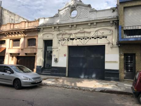 Lenguas Y Bazán A 1 Cuadra Palacio Legislativo