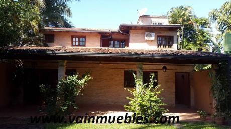 Vendo Casa En Cul De Sac En El Barrio Mburucuya Zona Residencial 295.000 Usd