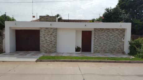 En Venta Casa Familiar Av. Radial 26 Entre 5to Y 6to Anillo Norte