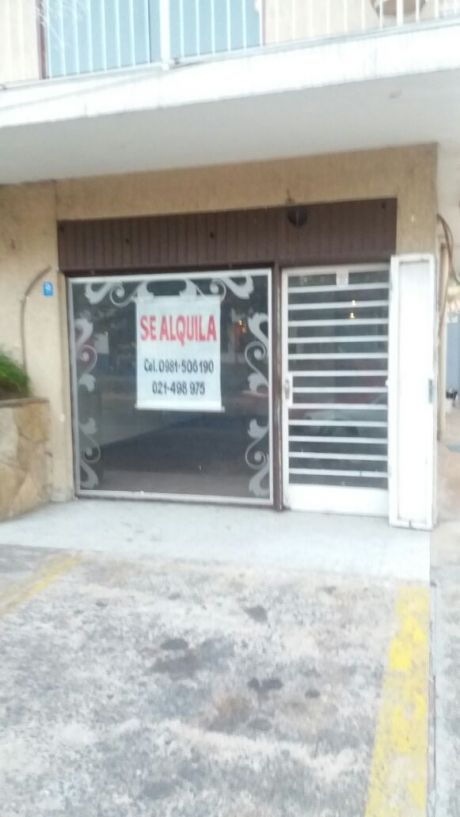 Alquilo Salon S/ San Martin