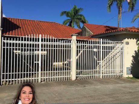 Casa En Zona Residencial A Precio De Terreno