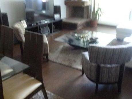 Precioso Apartamento Con Las Caracteríesticas De Una Casa!