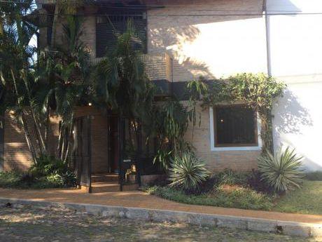 Alquilo Duplex Barrio Mburucuja