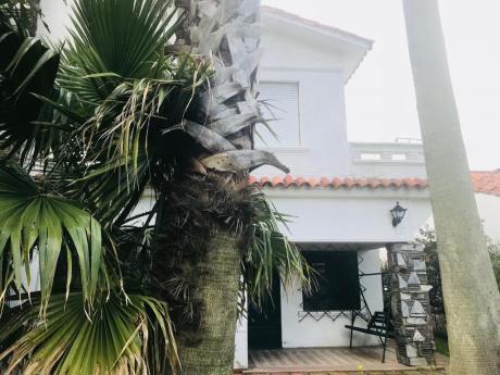 Preciosa Casa En Las Toscas A Metros Del Mar