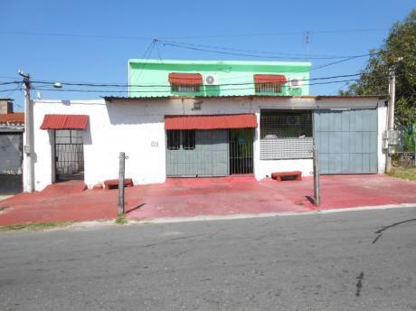 Casa De 4 Dormitorios + 5 Apartamentos !!!