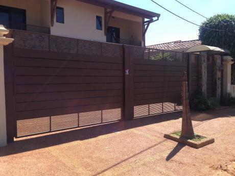Alquilo Hermosa Y Enorme Casa En Pleno Barrio Seminario (6 Dorm)