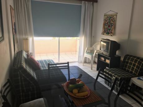 1 Dormitorio, Muy Bien Ubicado En Playa Mansa