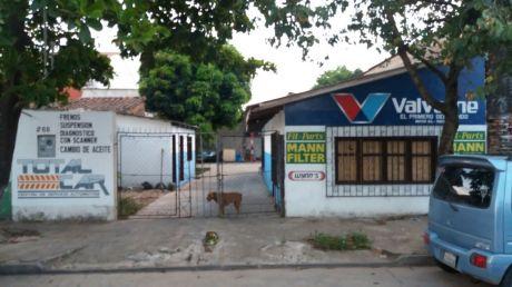 En Venta, Casa A Una Cuadra Del 3er Anillo, Z. Norte!!!