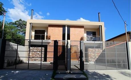 Duplex En Lambare. Casa.