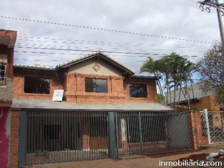 Hermosa Casa En Barrio Mburucuya De Asuncion