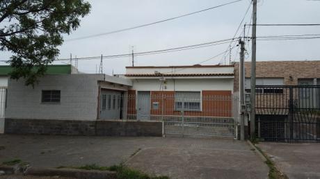 Ref K095, Amplia Casa En Cerro 2 Dormitorios