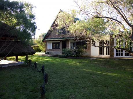 La Floresta. Venta De Hermosa Casa A 1 Cuadra De Rambla