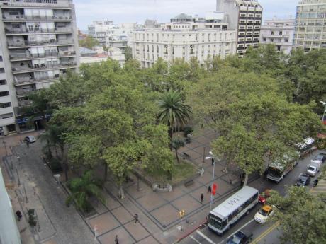 Sobre Plaza Cagancha, Gran Categoría.-