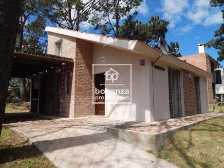 Casa En Alquiler, Piriápolis, Punta Colorada.