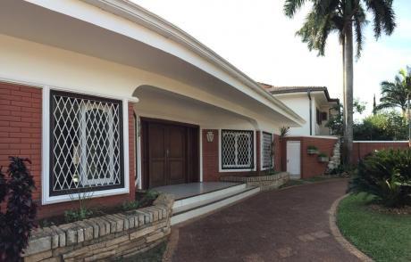 Alquilo Casa En Barrio Nazareth
