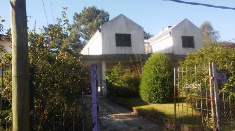 Importante Casa En Lomas De Solymar