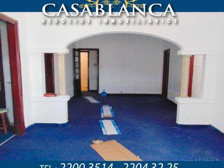 Casablanca - Sobre Av. Italia, Ideal Empresa
