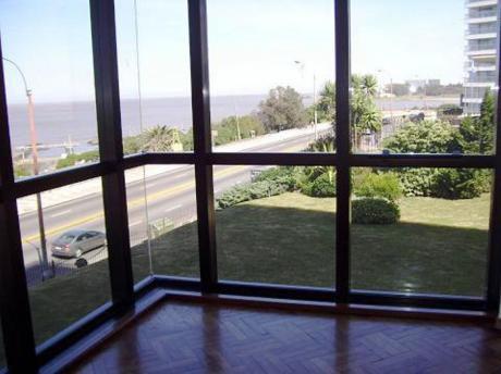 Alquiler Apartamento Rambla De Malvín 3 Dormitorios Y Servicio