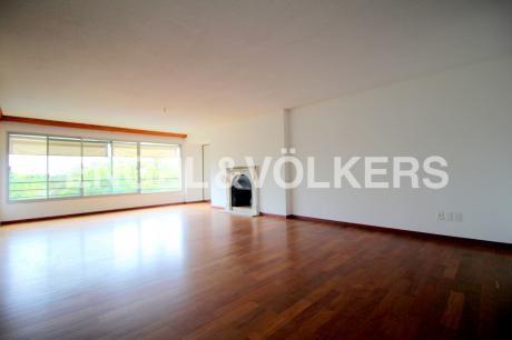 Amplio Apartamento Para Alquiler En Carrasco
