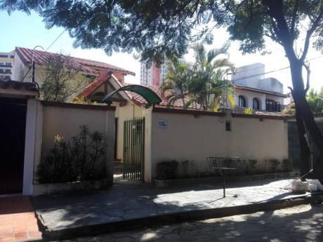 Linda Casa Remodelada A 1 Cuadra 2do Anillo, 175.000 $us
