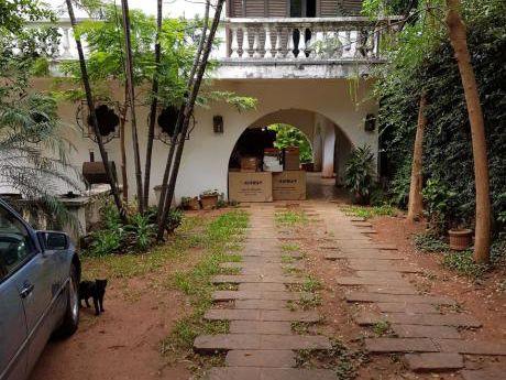C157. Vendo Imponente Casa A Refaccionar En Bº Herrera!!!