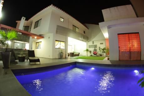 Casa De Lujo En Venta !!!