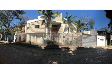 Alquilo Lujosa Residencia En B. Mburucuya