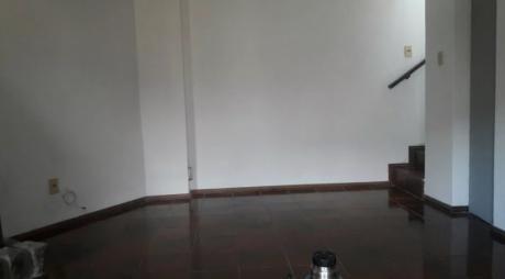 Casa C/estufa Lena Y Aire. Tza Servicio Duplex Defensa Y Bilardebo