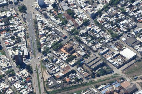 Terreno 5500 Mt -ideal Empresas A Metros Del Puerto- Capurro