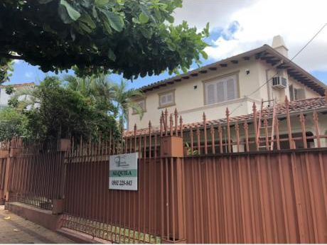 Casa En Alquiler - Zona Colegio Del Sol