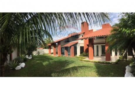 Casa En Av. Virgen De Cotoca Para Amplia Familia