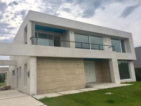 Casa En Venta A Estrenar En Lomas De La Tahona
