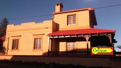 Casa Sobre La Rambla Con Vista Al Mar Y Piscina-ref.206-inmobiliaria Calipso