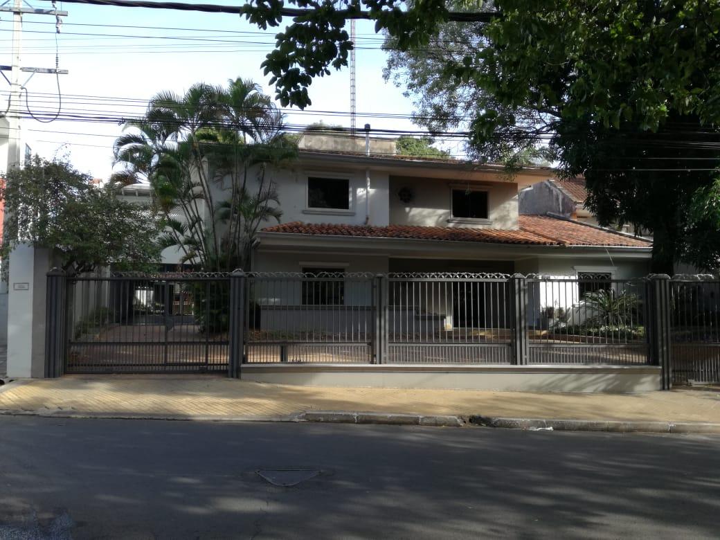 ALQUILO A-060 Amplia Casa para Oficina - Avda. Boggiani