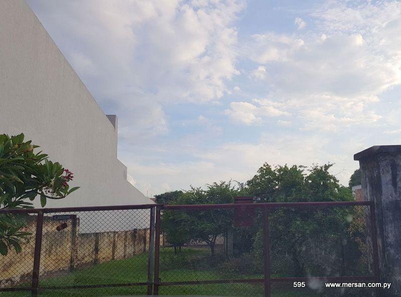 Propiedad Con Salida A Dos Calles Zona Shopping San Lorenzo (595)