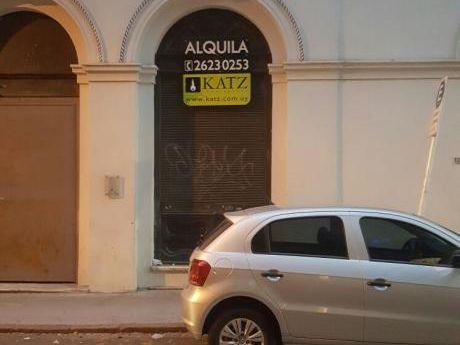 Local  A Reciclar, A Metros De Plaza Matriz!