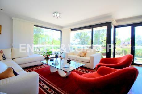 Moderno Apartamento En Venta Y Alquiler En Carrasco
