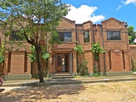 Hermosa Residencia De 3 Suites En Barrio Los Laureles.