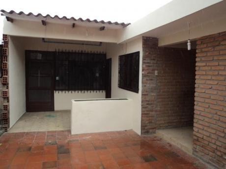 Pequeña Casa Independiente En Alquiler.