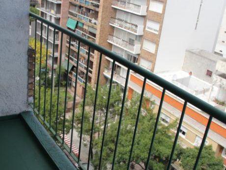 A 2 Cuadras De La Rbla. 2 Dormitorios Y Gge.