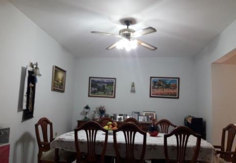 Vendo Amplia Casa Zona Av.fernando De La Mora