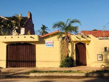 Casa En Anticretico En La Urbanizacion Cotoca, 25.000 $us