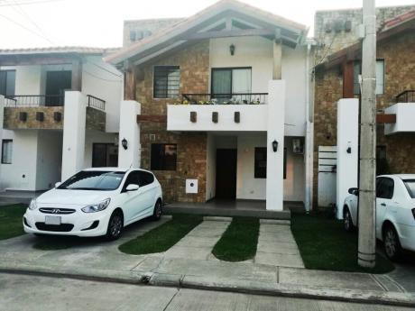 Casa En Venta: Condominio Las Tacuaras
