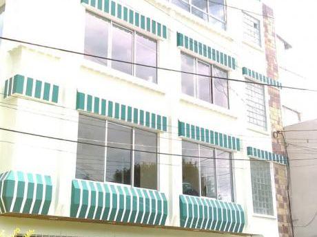 Hermosa Casa De Tres Pisos Y Medio En Alquiler Para Oficinas O Empresas