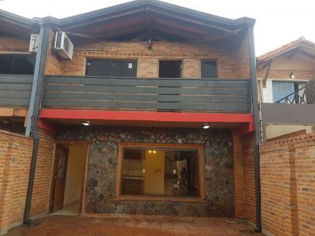 Amplio Duplex De 3 Dormitorios En Lambaré